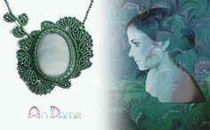 Pava necklace with chalcedony. This handcrafted macrame jewellery is a clear chalcedony mirror with a pretty leafy frame for a nutural born peakock. Chalcedony