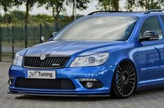 Beautiful blue Octavia II vRS with mods