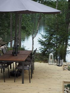 Lifestyle-blogi - Willa Lemmelle : Terassilla... Rustic Style, Modern Rustic, Taste Of Nature, Grill Table, Small Places, Amazing Architecture, Terrace, Gazebo, Cottage