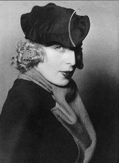 Tamara de Lempicka with a hat by Rose Descat, Madame d'Ora.