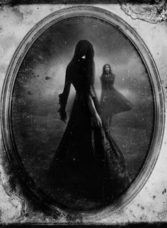 Countess Bathory - Lucy Reynolds (Into the mirror) Elizabeth Bathory, Vampires, Dark Fantasy, Fantasy Art, Horror, Goth Art, Dark Gothic, Victorian Gothic, Through The Looking Glass