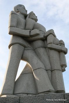 German Settlers Monument in East London by Lippy Lipshitz and unveiled on 4 September 1961 http://static.panoramio.com/photos/large/58000090.jpg