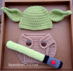Newborn Crochet Yoda Outfit PATTERN Months- Diaper Cover, Hat, and Light Saber. Perfect for baby photo props! For all the Star Wars fans :) baby yoda outfit free pattern PATTERN/ Yoda Inspired Newborn Outfit/ Crochet Diy Tricot Crochet, Crochet Bebe, Cute Crochet, Crochet For Kids, Crochet Crafts, Yarn Crafts, Crochet Projects, Crochet Ideas, Crochet Fox
