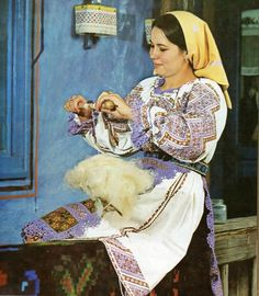 Romanian people National folk clothing (part Folk Embroidery, Embroidery Designs, Modern Embroidery, Romania People, Folk Costume, Costumes, Romanian Girls, Folk Clothing, Embroidery Techniques