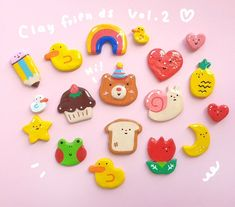 Cute Polymer Clay, Cute Clay, Polymer Clay Charms, Handmade Polymer Clay, Clay Art Projects, Clay Crafts, Posca Marker, Clay Magnets, Gifts For An Artist