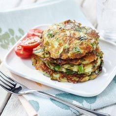 Kesäkurpitsapihvit   Maku Salmon Burgers, Deli, Tapas, Zucchini, Vegetarian Recipes, Yummy Food, Cooking, Breakfast, Health