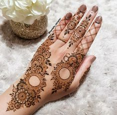 Mehndi By Asmaa - Muslim Wedding Directory Simple Mehndi Designs Fingers, Modern Henna Designs, Floral Henna Designs, Finger Henna Designs, Mehndi Designs 2018, Mehndi Designs For Girls, Mehndi Design Photos, Wedding Mehndi Designs, Henna Designs Easy