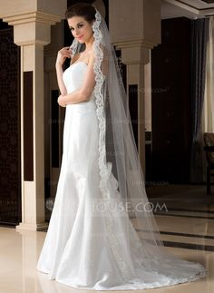 Voiles de mariage - $40.99 - 1 couche Voiles de mariée chappelle avec Bord en dentelle (006036773) http://jjshouse.com/fr/1-Couche-Voiles-De-Mariee-Chappelle-Avec-Bord-En-Dentelle-006036773-g36773