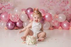 1st Birthday Balloons, 1st Birthday Photoshoot, First Birthday Crown, 1st Birthday Party For Girls, Baby Cake Smash, 1st Birthday Cake Smash, Birthday Girl Pictures, Cake Smash Photos, Birthday Photography