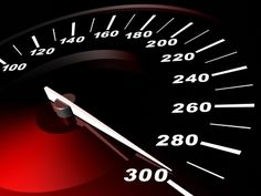 Quais são os carros mais rápidos do mundo? Não foi fácil encontrar uma lista realmente definitiva, já que existem modelos produzidos para pista, e não para estradas, ou então edições super limitada…