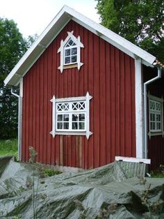 Make these shutters for my shed re-do! Swedish Cottage, Wooden Cottage, Farm Cottage, Red Cottage, Scandinavian Architecture, Scandinavian Home, Swedish Style, Swedish Design, Sweden House