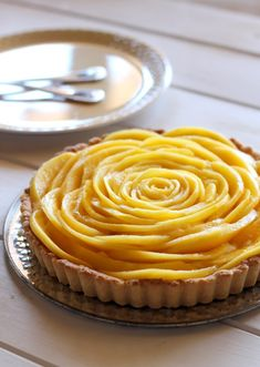 Fresh Mango Tart with Almond-Coconut Crust |  #glutenfree #grainfree #dairyfree #vegan #paleo