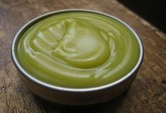 I used to burn myself a lot making Lampwork beads! How to Make an Herbal Raw Honey Ointment for Burns and Wounds. You can use this herbal raw honey ointment to treat or degree skin burns, rashes, sunburns, minor wounds and chapped skin and lips. Herbal Remedies, Health Remedies, Home Remedies, Natural Remedies, Natural Medicine, Herbal Medicine, Raw Honey, Migraine, Body Creams
