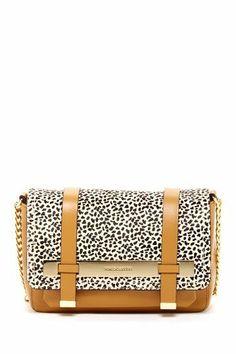 I love this saddle bag purse!