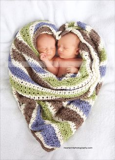 Here is a quick post from a recent newborn session.We LOVE when our Moms and Dads bring in blankets, toys, outfits that have sentimental value. This blanket was handmade for these adorable twins by a very loved relative. Newborn Twin Photos, Foto Newborn, Newborn Twins, Twin Babies, Newborn Pictures, Cute Babies, Newborn Session, Newborn Baby Photography, Children Photography