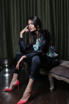Fashion Story, Girl Fashion, Female Fashion, Fashion Ideas, Fashion Outfits, Silk Image, Pyjama Satin, Black Wide Leg Trousers, Silk Pajamas