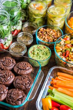 meal prep plans Here's a good look into How I Meal Prep for the Week including recipes to get you started! Meal prep is a life changer and the perfect way to eat healthier. Ways To Eat Healthy, Healthy Meal Prep, Healthy Snacks, Healthy Eating, Healthy Recipes, Advocare Meal Prep, Keto Recipes, Vegetarian Meal, Healthy Nutrition
