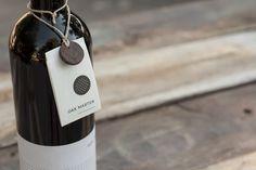 Diseño de Etiqueta de Vino: Vara/Palo - Brandsummit. Agencia de Marketing Valencia
