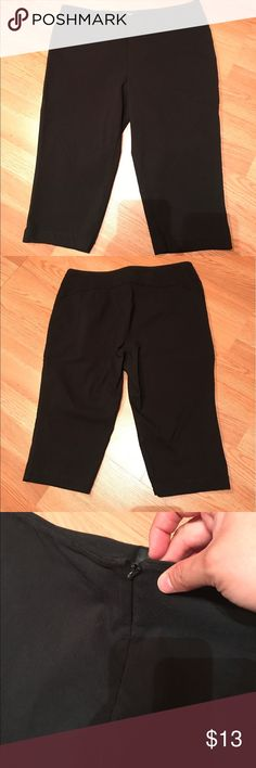 "Express Black Capri Cropped Pants Good condition. No flaws. Has zipper closure on front. Had 3% spandex. Inseam 15.5 "" Juniors Size 9/10 short Express Pants Capris"