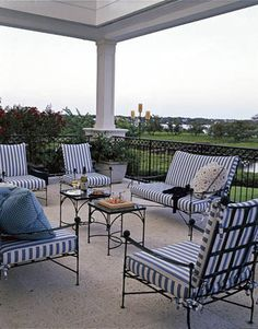 Chair Pads For Office Chairs Iron Balcony, Balcony Railing, Deck Furniture, Outdoor Furniture Sets, Outdoor Decor, Decor Pad, Bungalow Exterior, Wrought Iron Patio Chairs, Dining Table Chairs