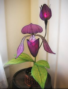 Little Wing Faerie Art — Silk butterfly and moth hanging lights. Hanging Lights, Fairy Lights, Luminaria Diy, Lampe Applique, Flower Lamp, Fairy Lamp, Miniature Fairy Gardens, Unique Home Decor, Silk Flowers