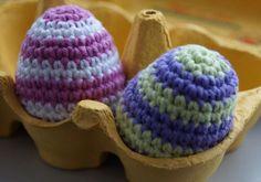 Häkelanleitung für Ostereier ♥ bunte Eier aus Baumwolle mit Punkten, Streifen und Norwegermuster für das Osternest ♥ lerne hübsche Ostereier häkeln ➪ hier geht's zur kostenlosen Anleitung