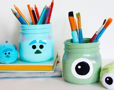 Stay Organized with Some Scary-Cute 'Monsters, Inc. Mason Jar Projects, Mason Jar Crafts, Diy Projects, Disney Diy Crafts, Disney Home Decor, Cute Crafts, Crafts To Do, Disney Merch, Pot Mason Diy