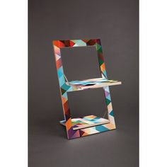 Graphic fold-chair