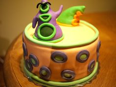 Just got home from a baking class, part of a Culinary Skills program at the local college. We had an end of year assignment to make a special occasion cake. Day Of The Tentacle, Modern Games, Baking Classes, Cake Day, Occasion Cakes, Chocolate Cake, Cake Decorating, Special Occasion, Birthday Cakes