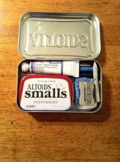 Pocket-sized Watercolor Altoids Tin-use sculpy clay and water soluable vitamins (to make wells)