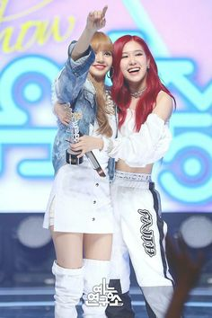 Your source of news on YG's current biggest girl group, BLACKPINK! Kpop Girl Groups, Korean Girl Groups, Kpop Girls, Kim Jennie, I Love Girls, These Girls, Yg Entertainment, Chaeyoung Twice, Blackpink Photos