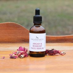 Argan & Rosehip oils make the perfect blend for a wonderful face serum. High in Vitamin C - which provides excellent anti-oxidant properties and fades scars and rosacea, fatty acids - which hydrate and add moisture to the lipid barrier to protect the skin, and Vitamin A - a natural retinol that increases cell regeneration keeping the skin youthful. It is non-greasy will not clog pores, and can reduce the appearance of lines and wrinkles. Cell Regeneration, Clogged Pores, Rosehip Oil, Rosacea, Face Serum, Vitamin C, Natural Skin Care, Natural Remedies, Health And Wellness