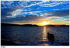 Barques dur l'étang de Gruissan par Philippe Aude Languedoc Sud France