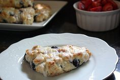 Lemon Blueberry Scones: I love breakfast scones...and how delicious does that look.
