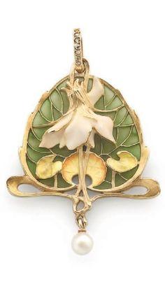Lucien GAUTRAIT - An Art Nouveau gold, enamel, pearl and diamond pendant. The reverse signed and numbered. 4.8cm long. #Gaillard #ArtNouveau