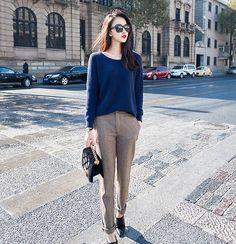 Casual chic: lovee it! Korean Fashion Trends, Korean Street Fashion, Asian Fashion, Ulzzang Fashion, Business Casual Womens Fashion, Business Fashion, Fashion Pants, Fashion Outfits, Casual Chic Style
