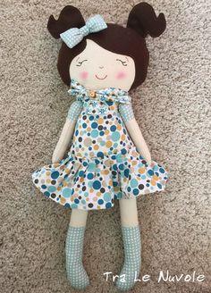 Un preferito personale dal mio negozio Etsy https://www.etsy.com/it/listing/499928376/bambola-di-stoffa-soft-doll-dress-up