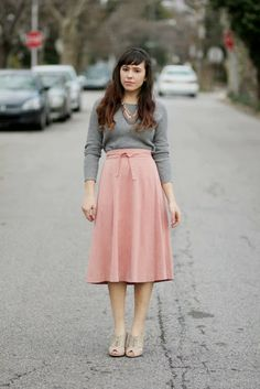 Pichi's Soup: midi-skirts should always be worn with the right shoes pink+grey perfection