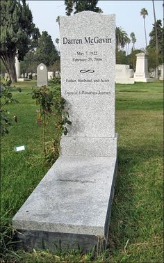 """Darren McGavin's grave (photo) from """"The Night Stalker' and so many other movies. An actor, comedian, producer, businessman. RIP"""