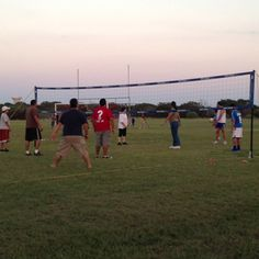 Volleyball in the park at the Iglesia Celebración Small Group Picnic