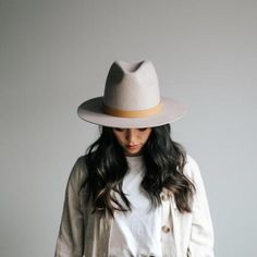 The Billie is our favorite statement tall crown fedora from the Gigi Pip family. She is a structured, tall crown fedora with a stiff brim. The Billie is your new go-to. It towers over the rest with a crown height of Outfits With Hats, Stylish Outfits, Fashion Outfits, Fashion Clothes, Stylish Hats, Girl Outfits, Fashion Hats, Womens Fashion, Cowboy Hat Styles