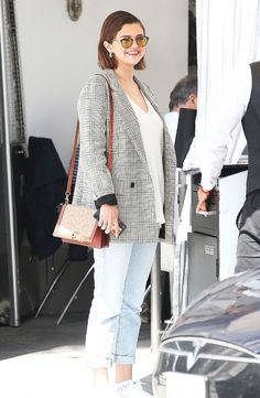 Selena Gomez Mom, Selena Gomez Outfits Casual, Justin Bieber Relationship, Celebrity Style Inspiration, Celeb Style, Style Ideas, Cool Outfits, Fashion Outfits, Style Fashion