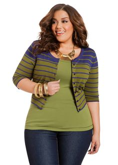 Plus size fashion. Great choice of color! So fun and flirty