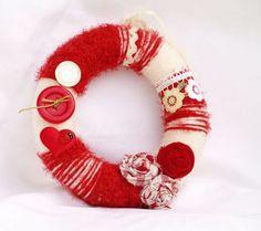 Мартенски венец Oreo Coal Recipe, Baba Marta, Wire Crochet, Hacks, My Heritage, Boyfriend Gifts, Diy For Kids, Diy And Crafts, Bulgarian