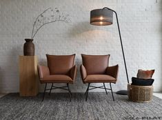Único y Creativo Leren fauteuil Micasa en Stoer Cognac ojear en met zwarte poten Office Interior Design, Office Interiors, Chair Design, Furniture Design, Home Depot Adirondack Chairs, Overstuffed Chairs, Rich Home, Piano Room, Home Living Room