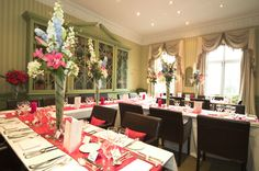 The Grange Hotel offers a choice of beautiful settings both for summer and winter weddings, with rooms suitable for 10 to 50 guests for ceremonies, up to 75 for private dining and 120 for informal receptions. One of the finest York Wedding Hotels.