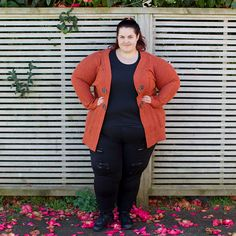 e4b22a515592 New Zealand plus size fashion blogger Meagan Kerr wears 17 Sundays Roller  Ladder… Curvy Fashion