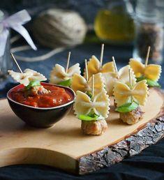 Brochette apéro - 70 idées de recettes qui mettent de l'eau à la bouche croquettes pasta sauce à la tomate