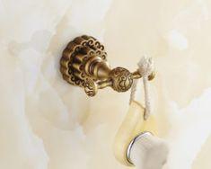 Elegantný mosadzný háčik na stenu do kúpeľne