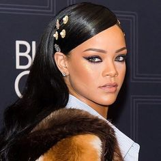 Mark your calendars!  Rihanna makeup line Fenty Beauty officially has a launch date! Tap the #linkinbio for deets.  via GLAMOUR MAGAZINE OFFICIAL INSTAGRAM - Celebrity  Fashion  Haute Couture  Advertising  Culture  Beauty  Editorial Photography  Magazine Covers  Supermodels  Runway Models
